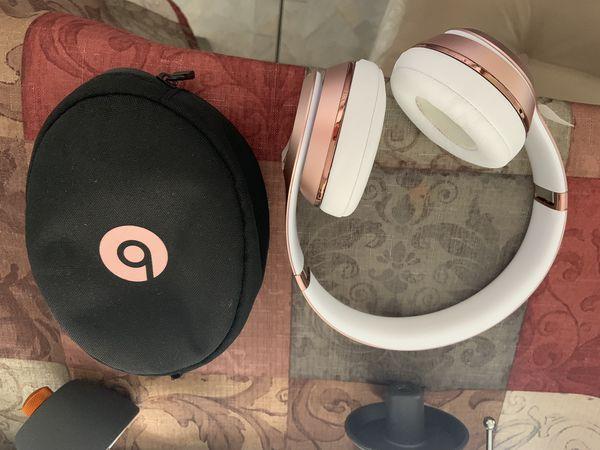 Rose Gold wireless solo 3 Beats Like New