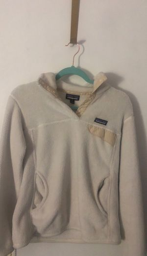 Patagonia white snap-fleece for Sale in Naperville, IL