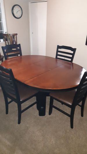 Real wood dining table for Sale in Euclid, OH