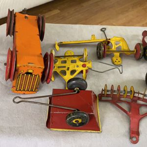 Marx vintage Tin tractor and 6 tractor implements for Sale in Dallas, TX
