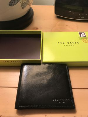Ted baker bifold leather wallet ( never used ) for Sale in Dracut, MA