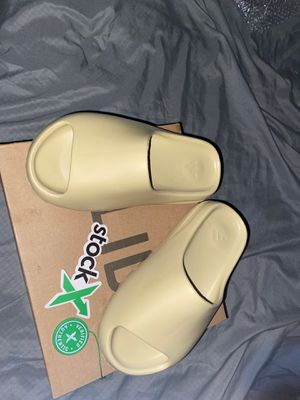 Yezzy Slides for Sale in MONTGOMRY VLG, MD