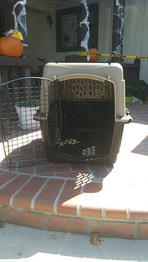 Dog crate med -lg for Sale in West Covina, CA