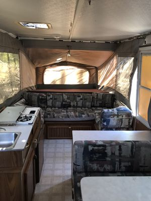 Jayco Eagle 1996 Tent trailer camper, ready to go. Full kitchen Fridge sink for Sale in Escondido, CA