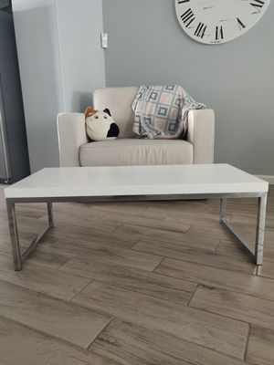 White Coffee Table for Sale in San Jose, CA