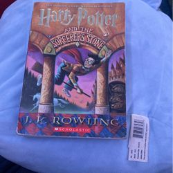 Harry Potter and The Sorcerer's Stone Book for Sale in City of Industry,  CA