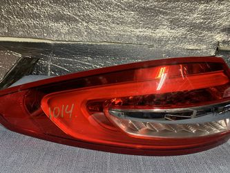 2017 2018 Ford Fusion tail light taillight for Sale in Ontario,  CA