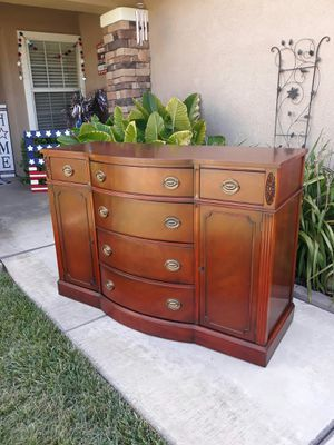 """VINTAGE """"DREXEL"""" MAHOGANY SIDEBOARD / SERVER / ENTRYWAY PIECE / TV STAND (CIRCA 1950'S) 52""""W × 20""""D × 36""""H for Sale in Corona, CA"""