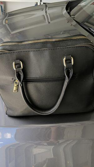 Ladies Handbag Black for Sale in Winter Haven, FL
