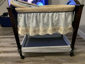 Baby bassinet for Sale in Chandler, AZ