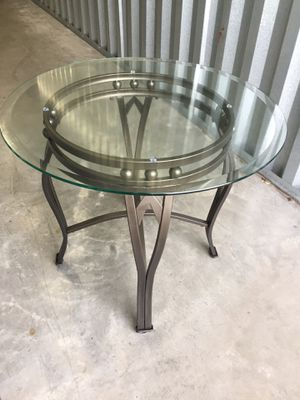 Small glass coffee table for Sale in Salt Lake City, UT