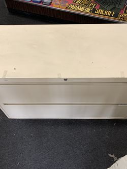 """Long Filing Cabinet; L 3ft5in W 17"""" H 2ft for Sale in Lorena,  TX"""