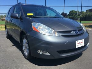 2007 Toyota Sienna AWD XLE 7-Passenger 4dr Mini-Van for Sale in Somerville, MA