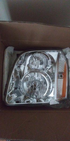 Brand New Driver's Side Headlight for 2007-2014 GMC Yukon for Sale in Snellville, GA