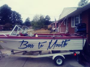 boat and new 115hp powertrim outboard for Sale in Colonial Heights, VA