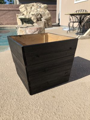 Cedar Flower Pot for Sale in Las Vegas, NV