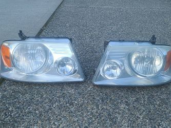 OEM FORD F-150 HEADLIGHTS 2004-08 for Sale in Puyallup,  WA