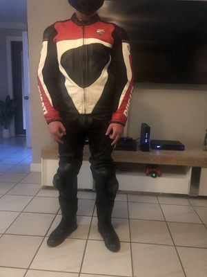 Motorcycle jacket/pants and boots for Sale in Hialeah, FL