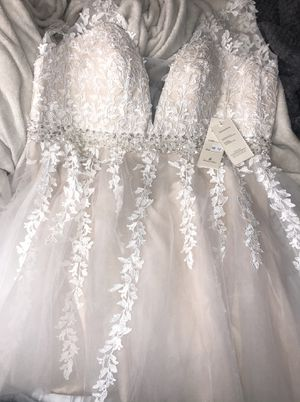 SHORT WEDDING DRESS for Sale in Uniondale, NY
