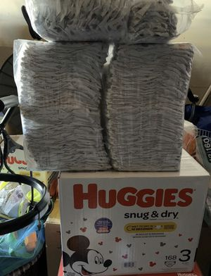 Huggies size 3 snug & dry 168 + 120-= 288 total diapers for Sale in Huntington Beach, CA