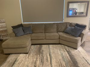 Custom Ashley's Sectional Couch for Sale in Clovis, CA