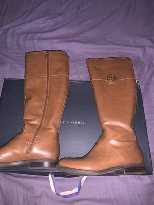 Tommy hilfiger boots size 7 for Sale in South Gate, CA