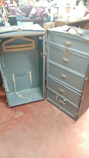 Oshkosh wardrobe trunk for Sale in Loves Park, IL