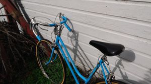 Old school scwinn road bike classical collectable for Sale in Des Moines, IA