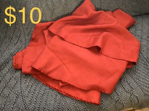 3 red round tablecloths for Sale in Tucson, AZ