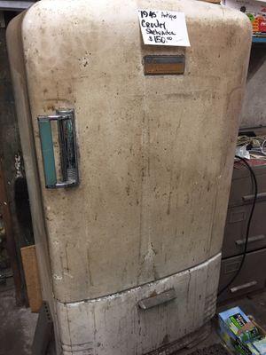 Vintage refrigerator for Sale in Chelan, WA