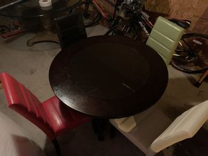 Small breakfast table with 4 chairs for Sale in Brandon, FL