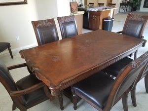 Dining table for Sale in Cheney, KS