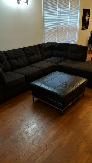 Brown sectional couch. Great condition! for Sale in Chicago, IL