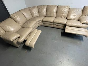 Sectional couch With Two Recliners for Sale in Miami,  FL