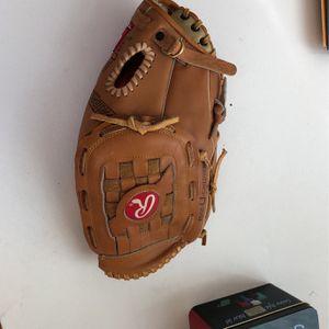 Left Baseball Glove for Sale in Lake Zurich, IL