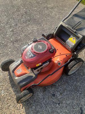 Husqvarna lawnmower needs works $60 for Sale in Houston, TX