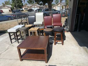 Single barstools & a coffee table (no pairs) for Sale in Moreno Valley, CA