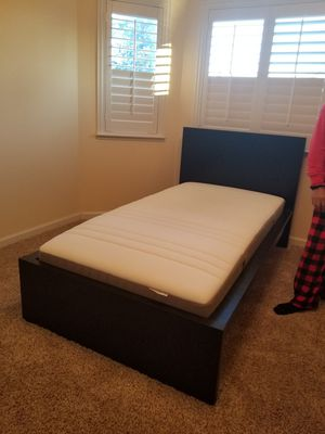 Twin bed set for Sale in Fresno, CA