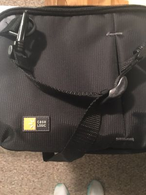 DVD player travel case for Sale in Toms River, NJ