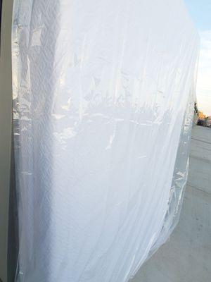 Queen Memory Foam Mattress w delivery for Sale in Fresno, CA