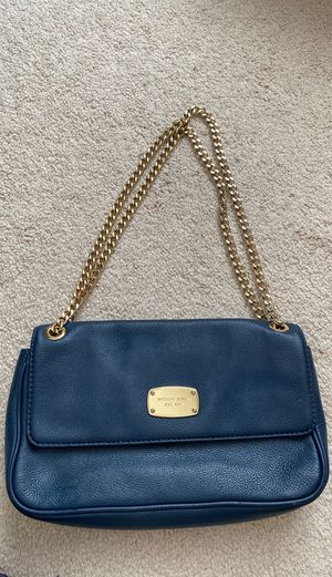 Michael Kors navy with gold chain purse for Sale in Bolingbrook, IL