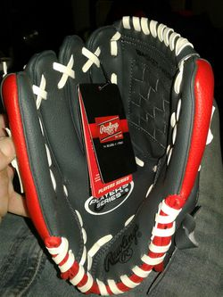 """Rawlings 11"""" youth baseball glove (lefty) for Sale in Lawrence,  IN"""