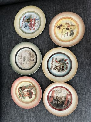 6 Tommy Bahama plates for Sale in Fort Lauderdale, FL