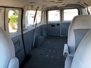 2006 Ford ECONOLINE E250 SUPER DUTY COMMERCIAL VAN XLT for Sale in Las Vegas, NV