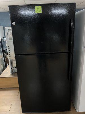 GE black top freezer refrigerator for Sale in Woodbridge, VA