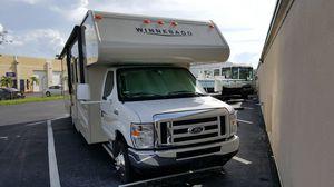 2016 Minnie Winnie RV motorhome 33 Foot. Sleeps eight people for Sale in Aventura, FL