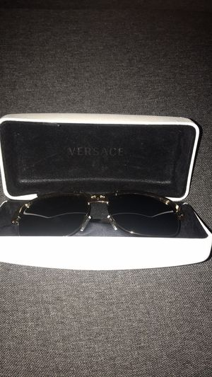 Versace polarized sunglasses for Sale in Orlando, FL