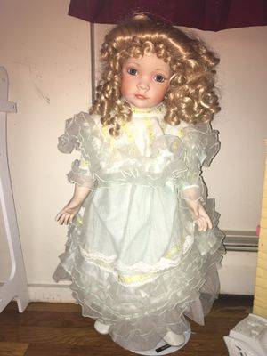 Antique doll for Sale in Chelmsford, MA