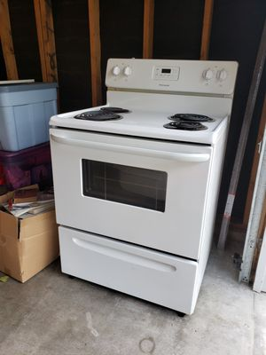 Stove,dishwasher,& microwave for Sale in Kent, WA
