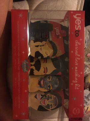 Yesto face mask set for Sale in Moreno Valley, CA
